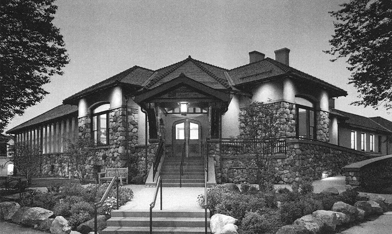 2004 Entrance at night of Cary Memorial Library in Lexington, Massachusetts