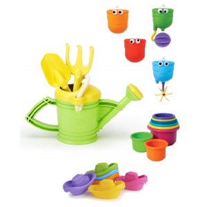 Bunch of plastic water play toys